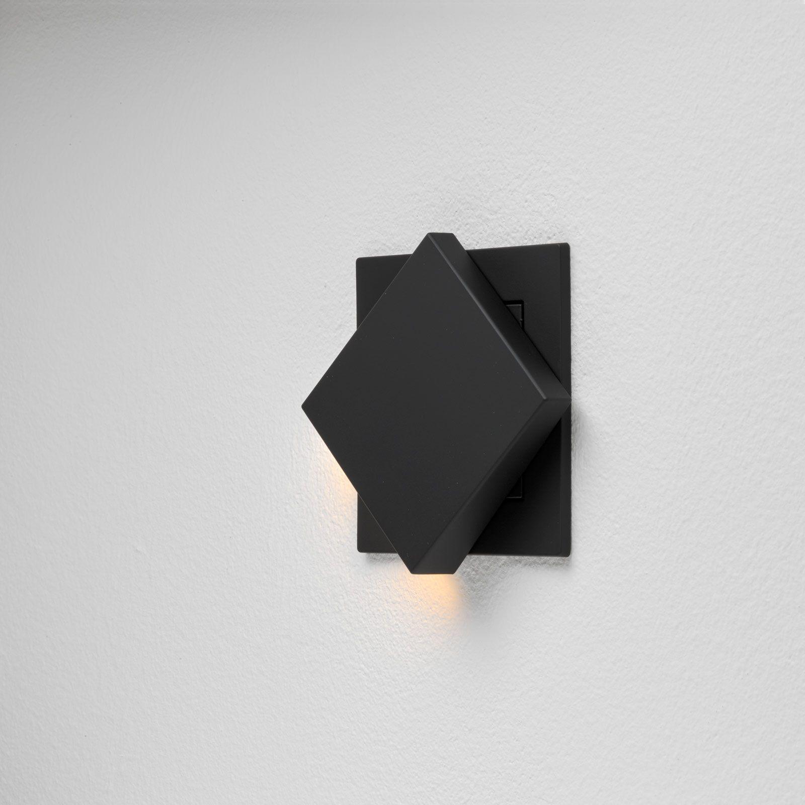 plug and light Gira Fluter von der Seite