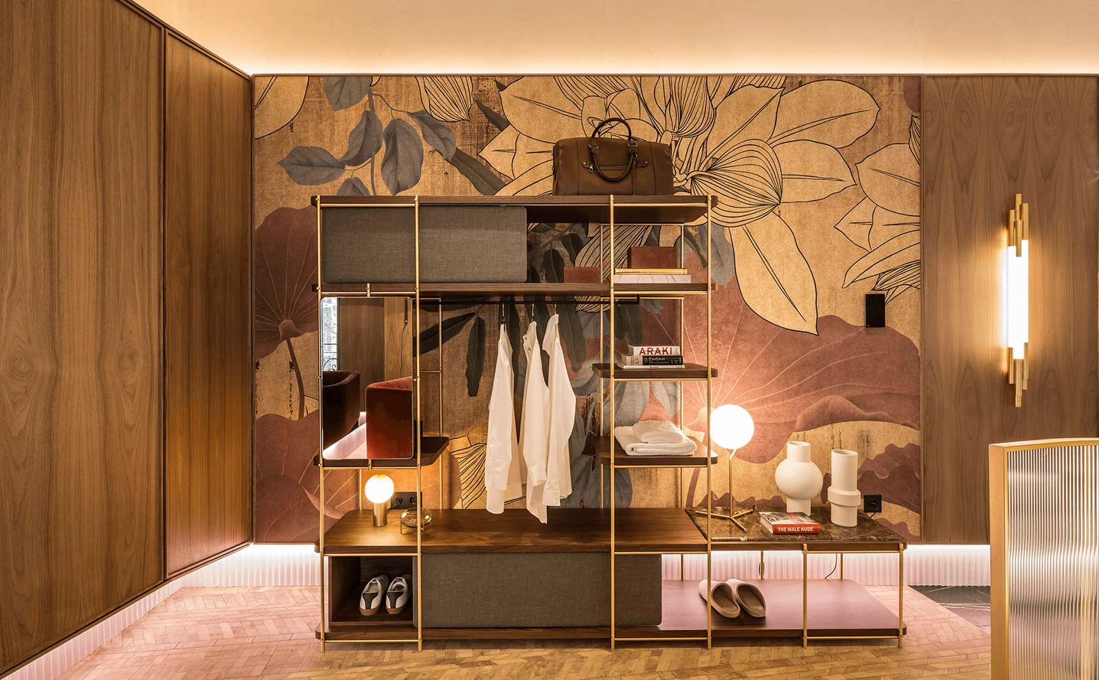 Natürliche Farbtöne und Materialien in der Luxus-Hotelsuite für die Casa Decor.