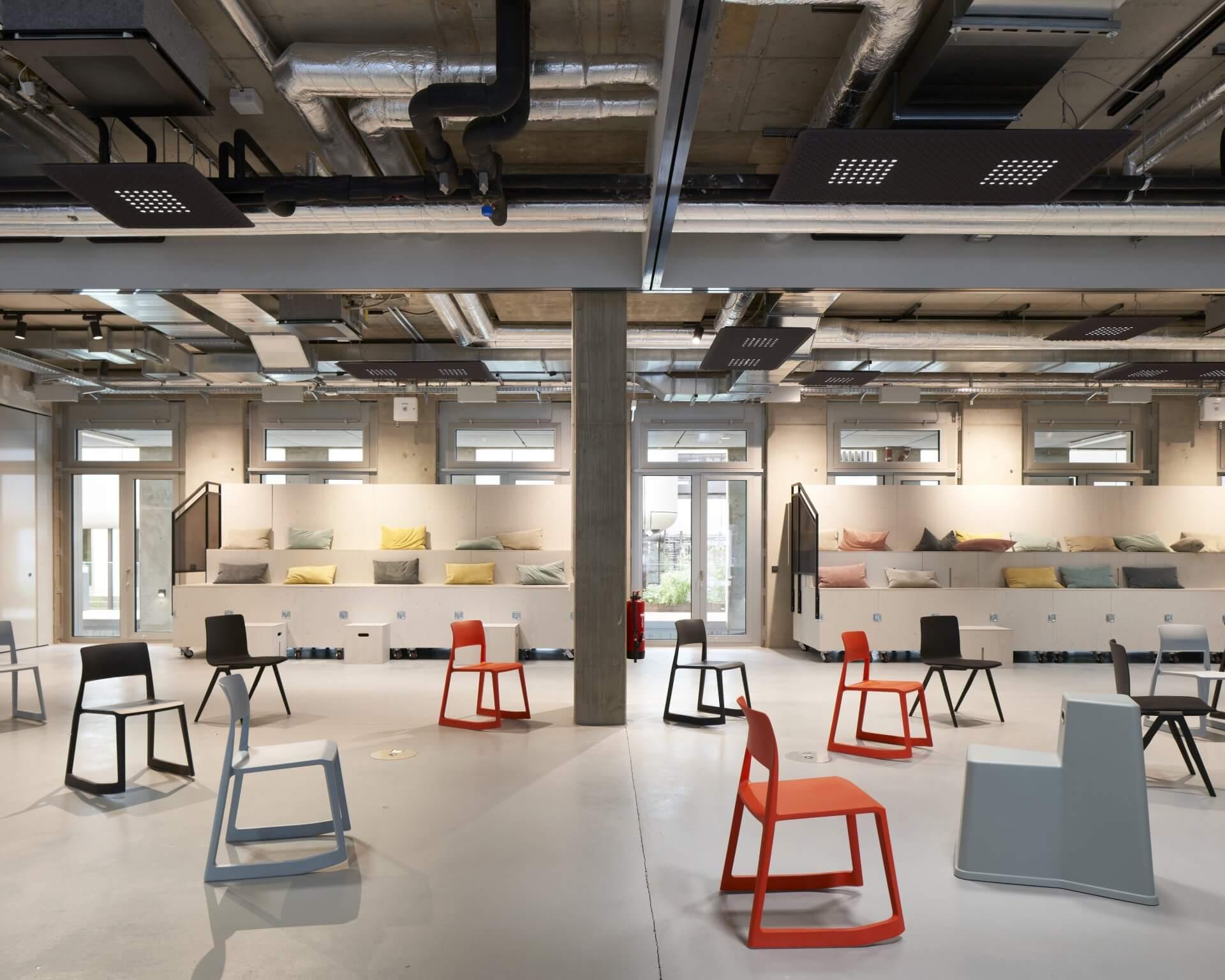Design Offices Düsseldorf Stühle in der Meeting Area