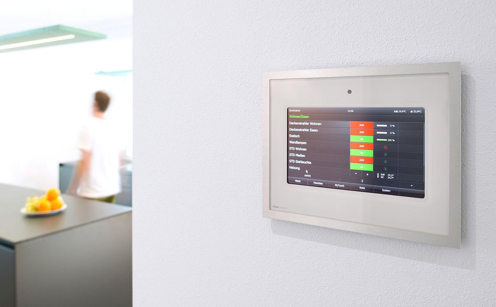 Gira Control 9 Client 2 an der Wand