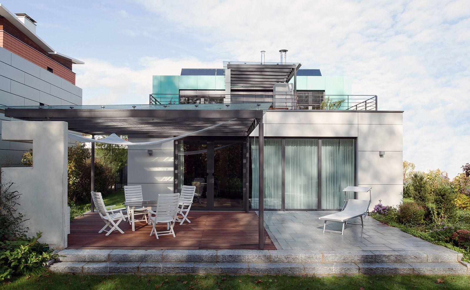 Zweifamilienhaus mit Garten und Kupferfassade