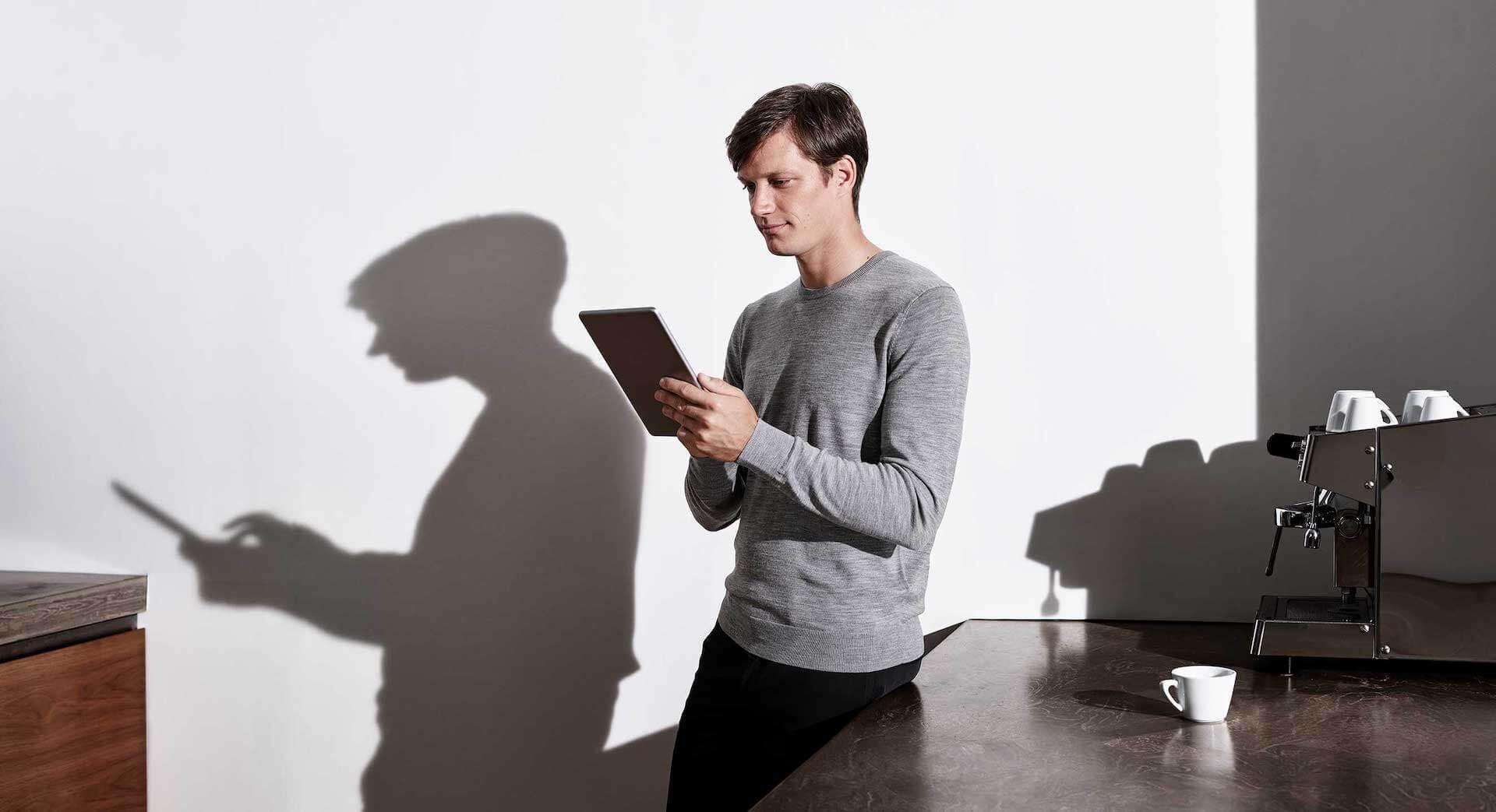 Gira People Tablet Guy