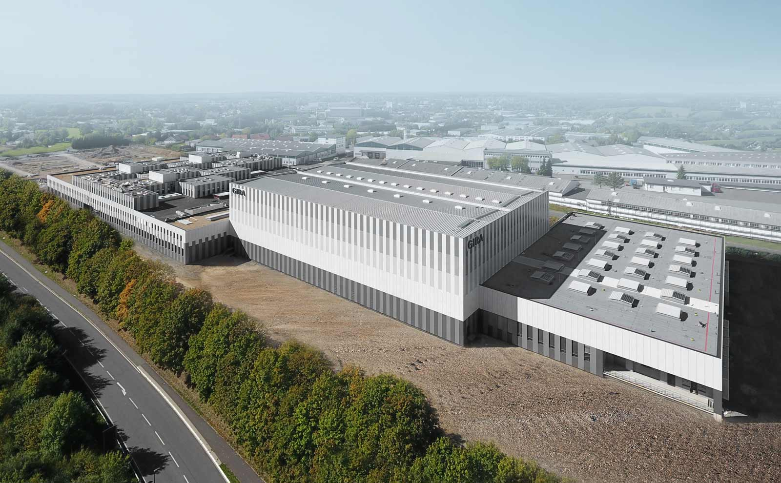 Forschung und Fertigung wurden im Gira Neubau von Sauberbruch & Hutton an einem Ort konzentriert