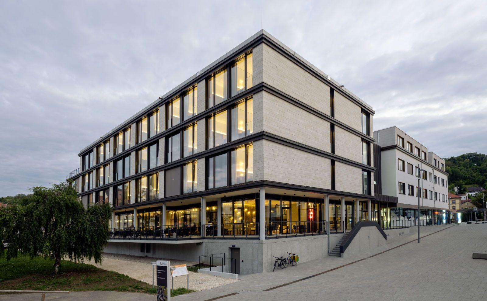Außenansicht des Hotelgebäudes von Reimann Architecture