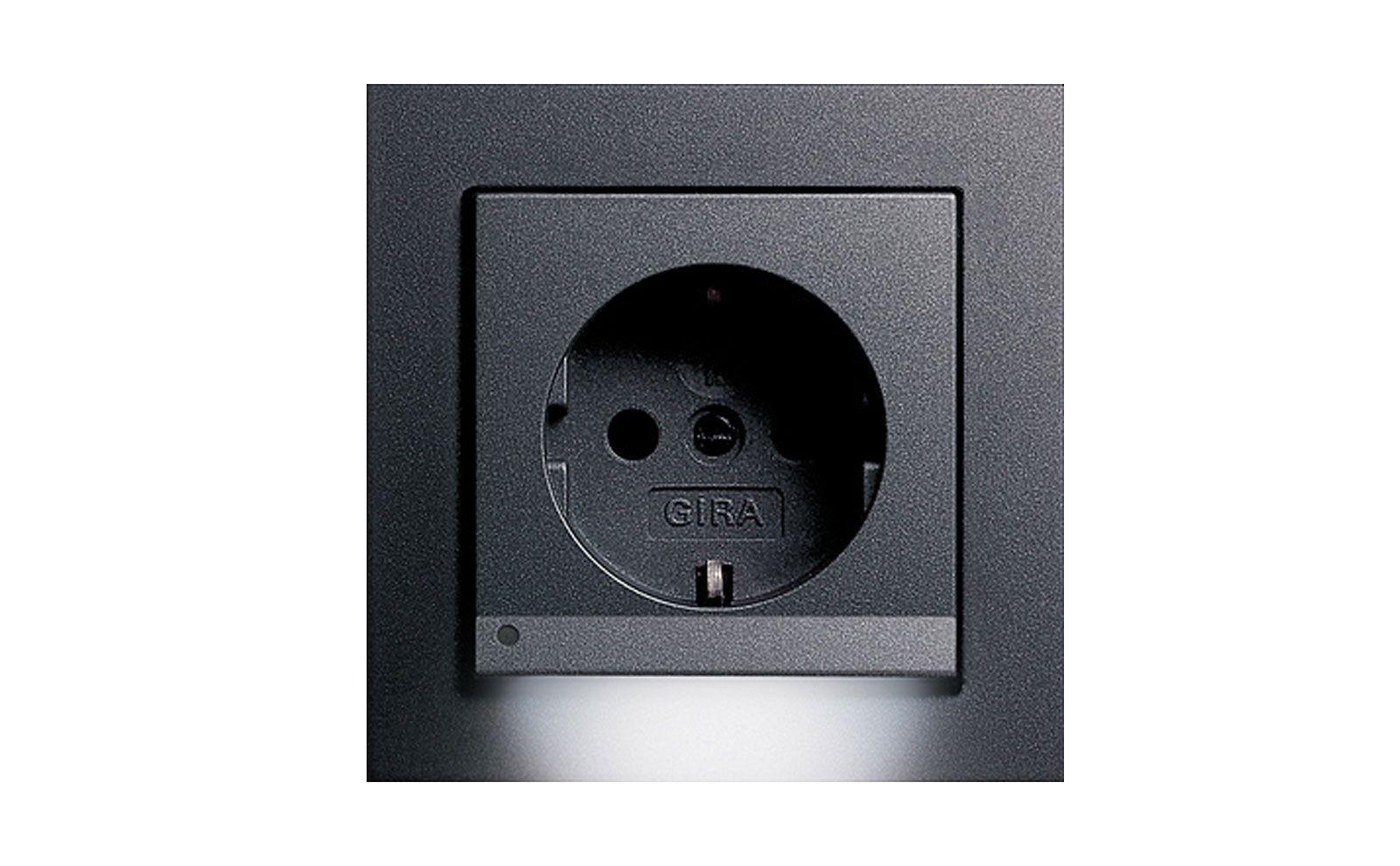 Gira Orientierungsbeleuchtung SCHUKO-Steckdose 16 A schwarz
