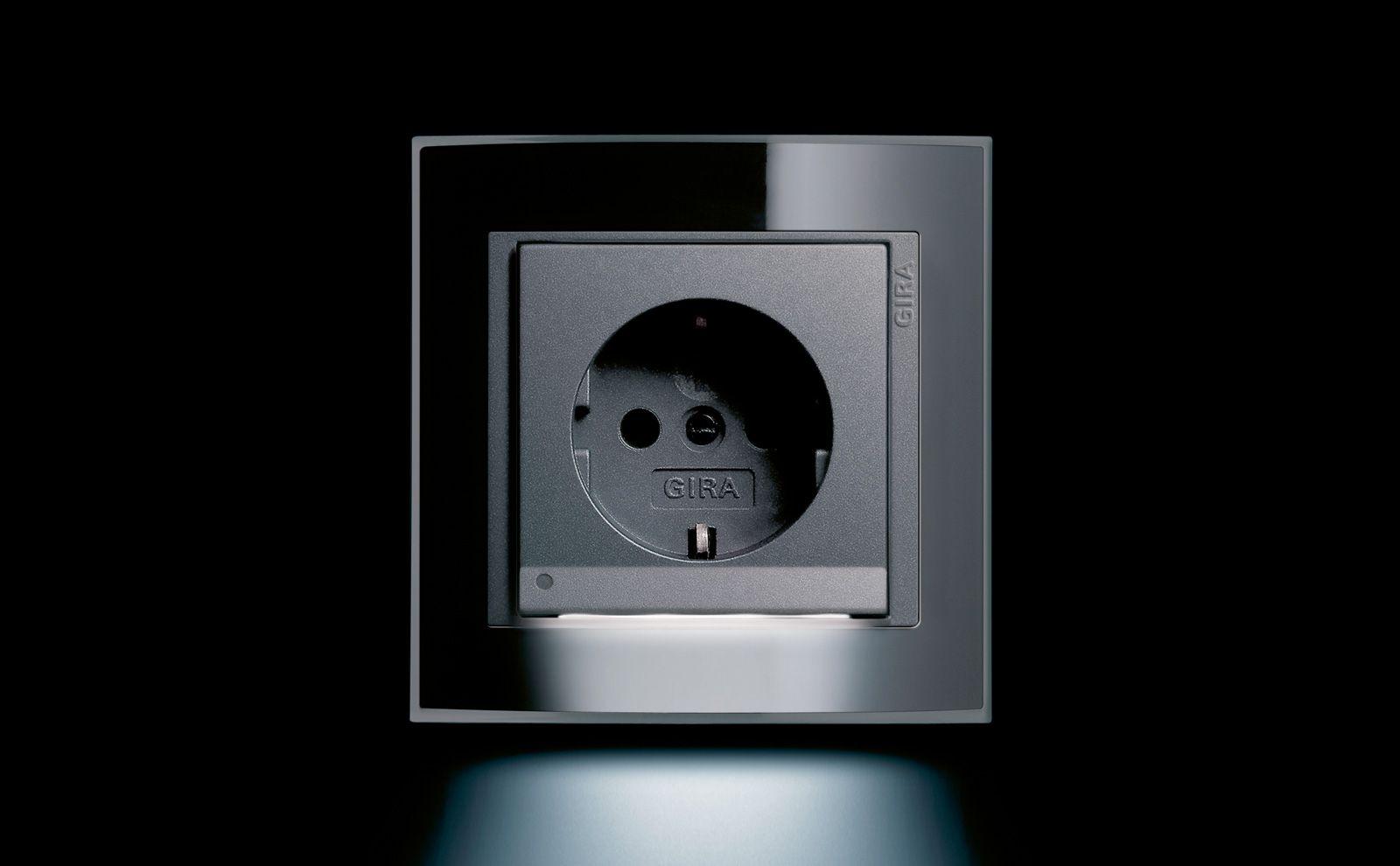 Gut bekannt Steckdosen für den Innenbereich - Gira CV87