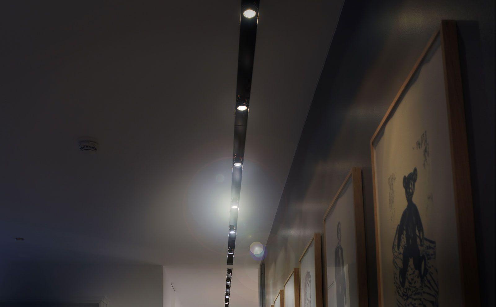 Lichtreihe von Gira Präsenzmeldern