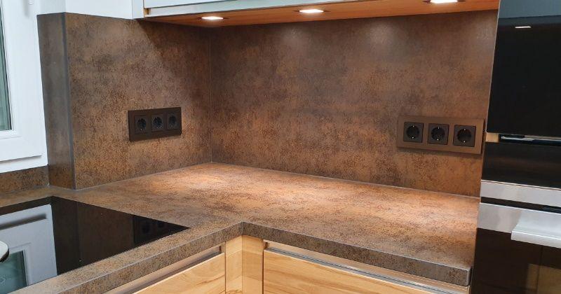 Gira Esprit Aluminuim Braun in der Küche