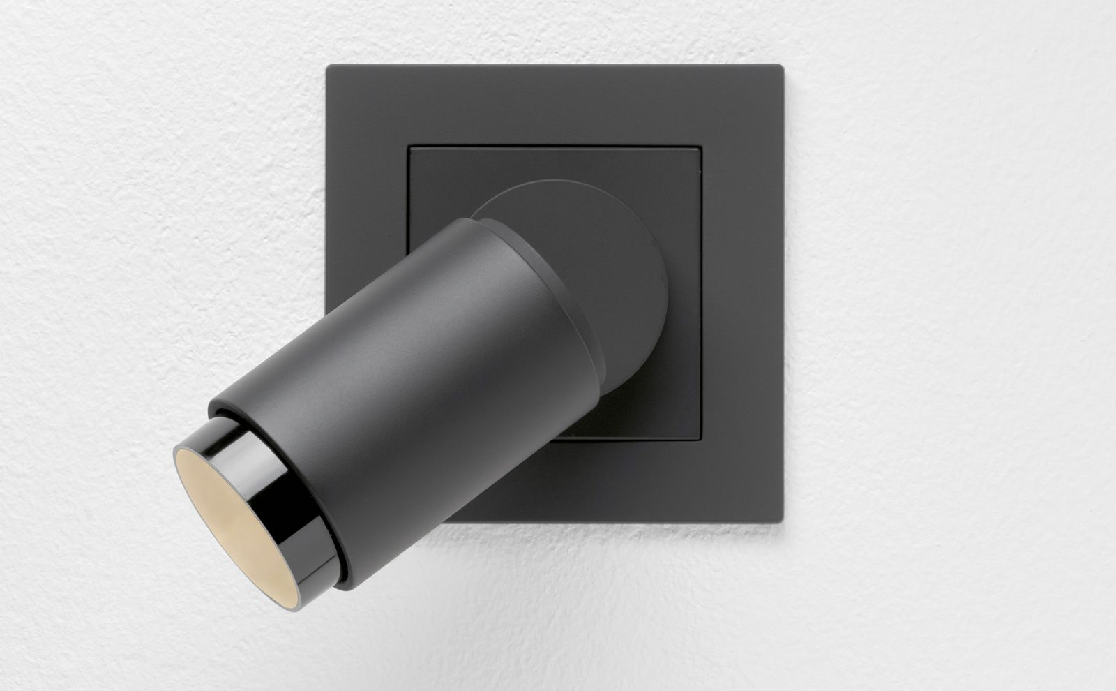 Plug & Light Spotlight black