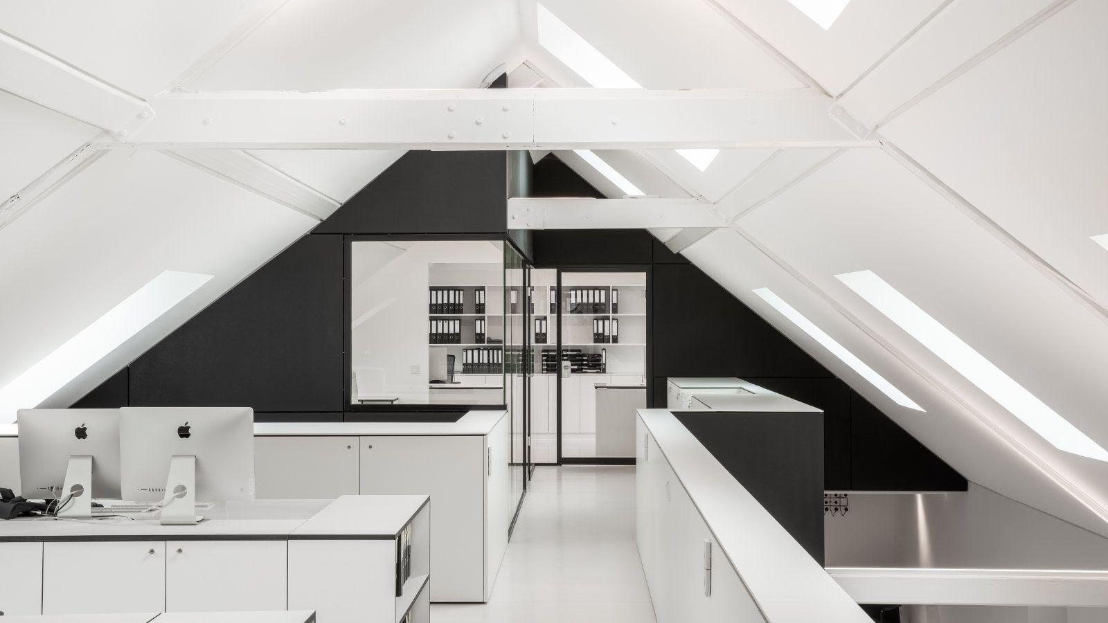 mo.studio Dach Brüstung weiß Mac Giebel Balken Archiv