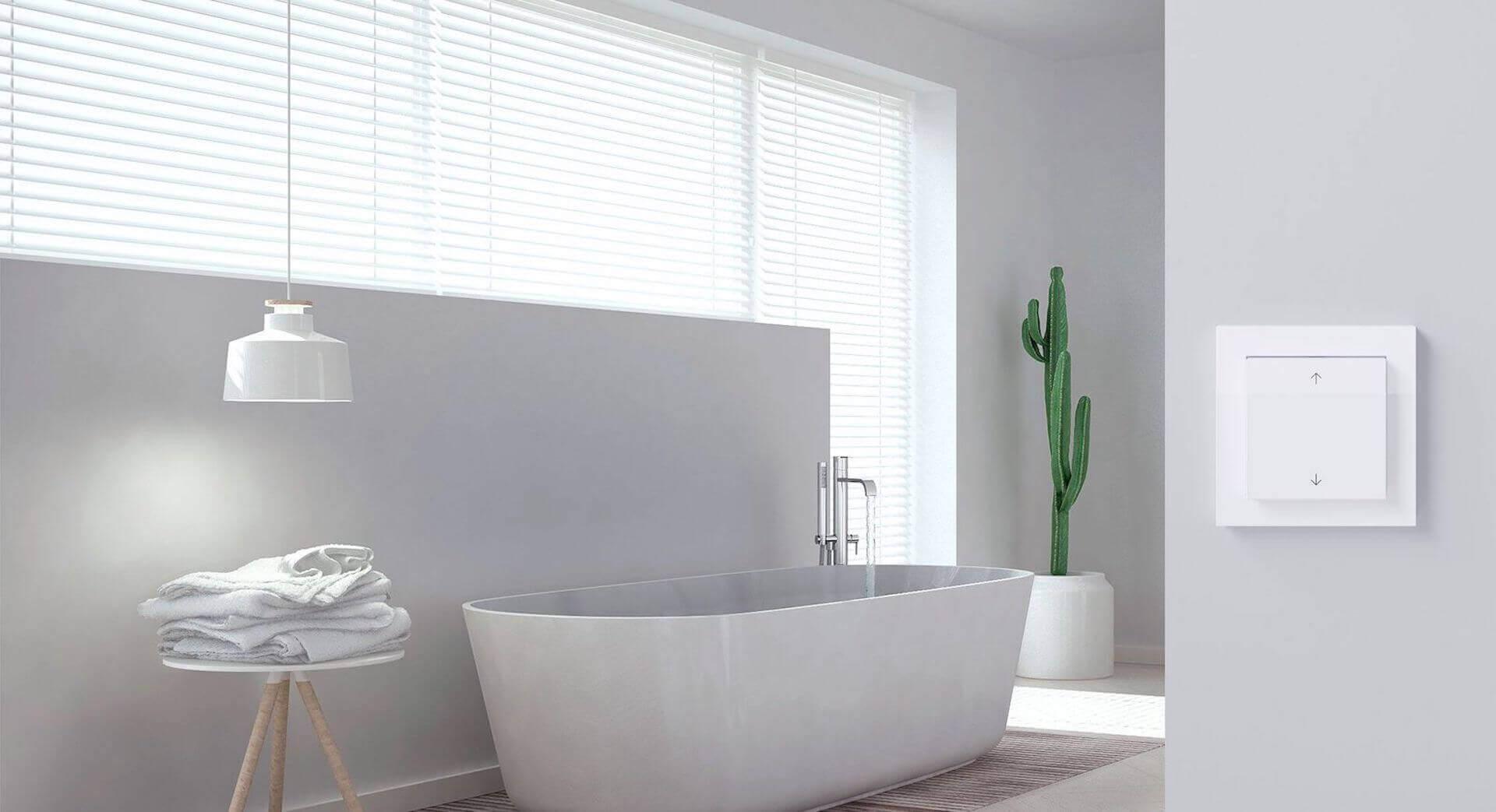 Gira Jalousiesteuerung im Bad