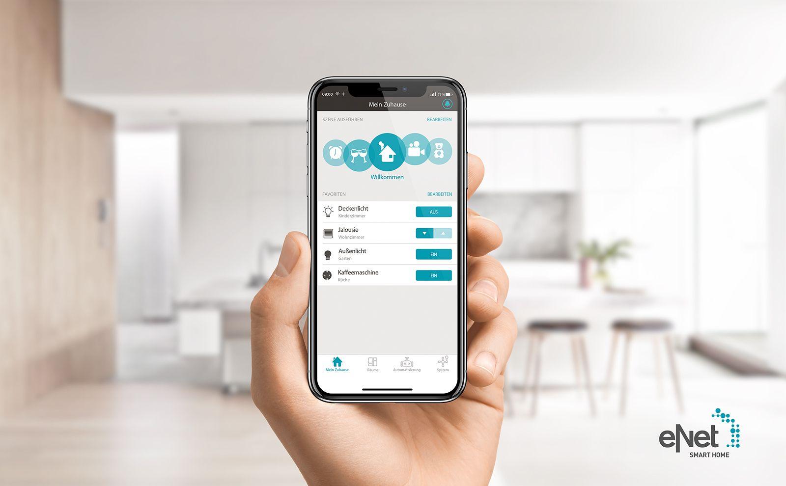eNET SMART HOME App im Wohnzimmer