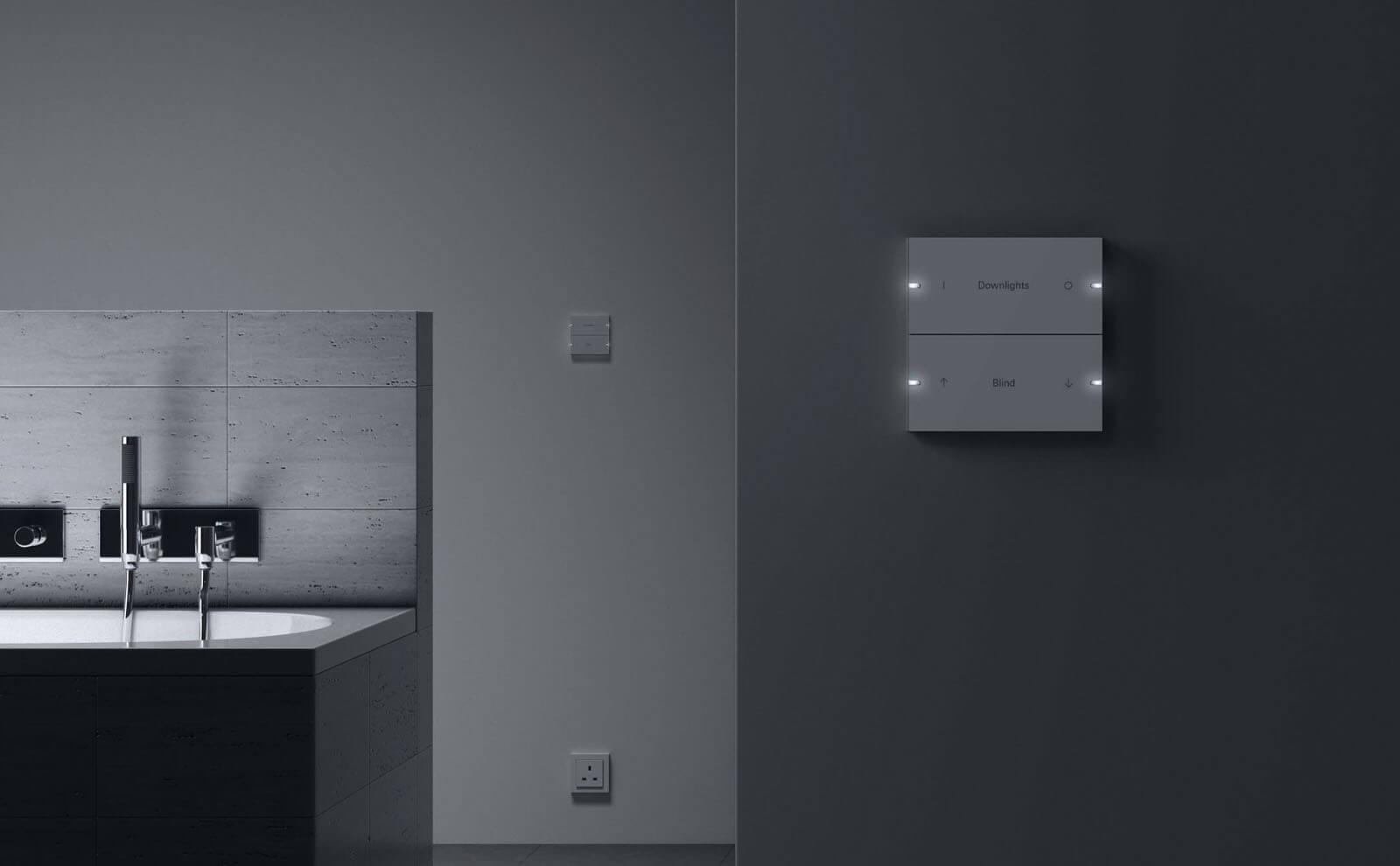 Gira Tastsensor 4 weiss Badezimmer