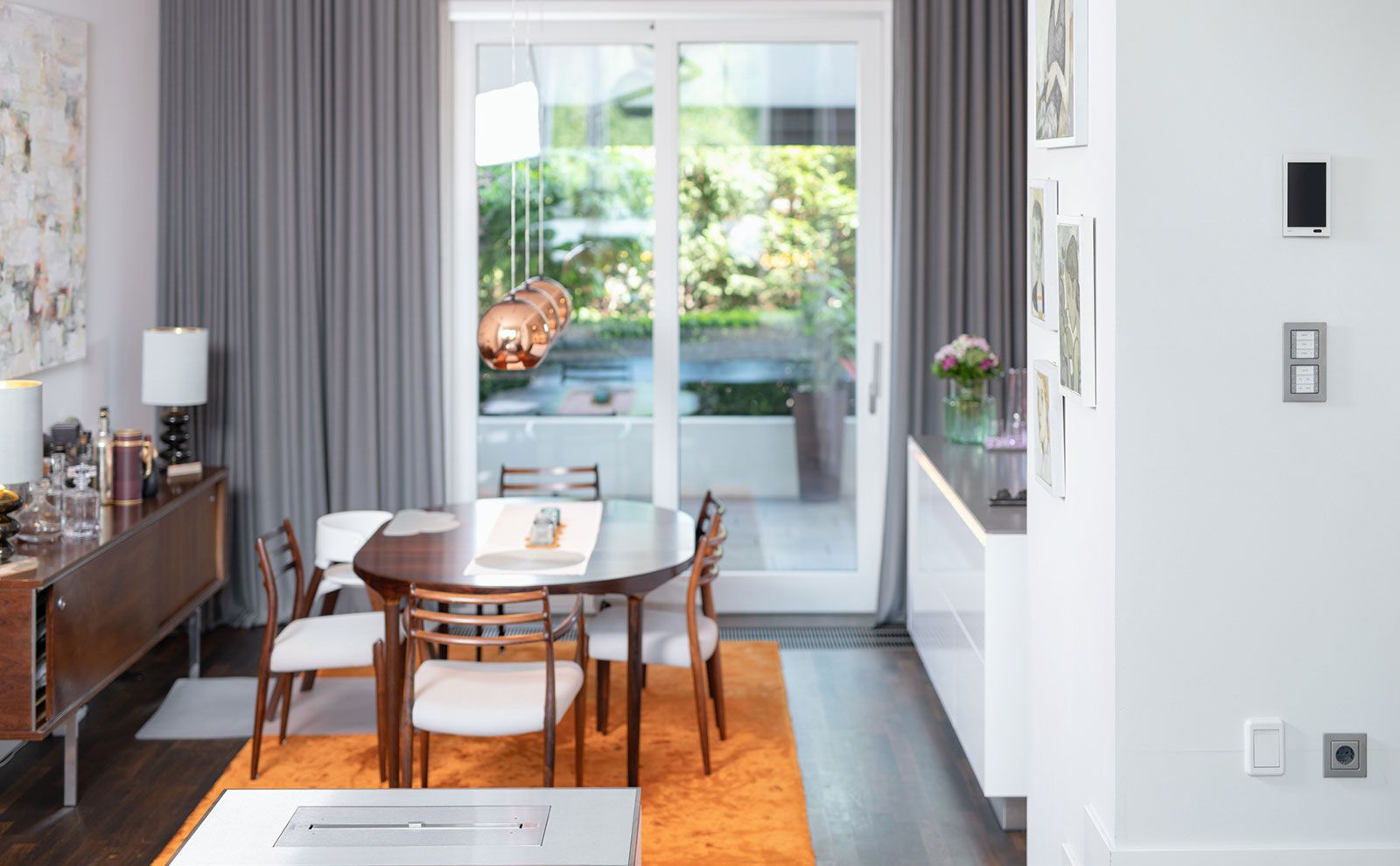 referenz-berliner-smart-home-gira-wohnzimmer-gira-website_19887_1574775650.jpg