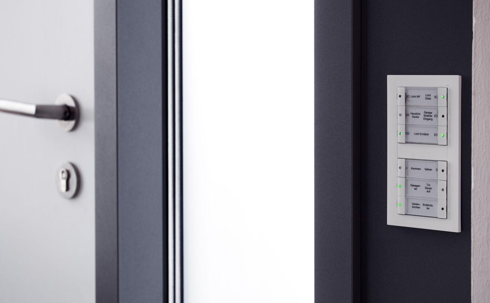 Tastsensoren neben der Tür